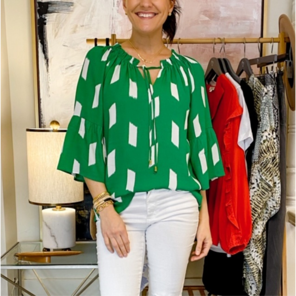 GREEN PEASANT FLUTTER SLEEVE TOP