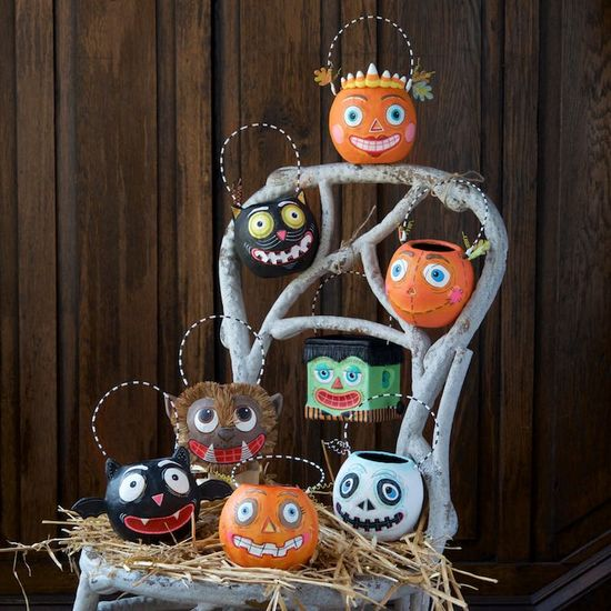 HALLOWEEN MINI BUCKETS