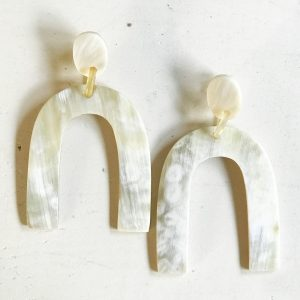 HORSESHOE HORN EARRINGS