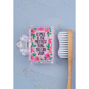 NATURAL LIFE SMILE IS THE PRETTIST TOOTHBRUSH COVER