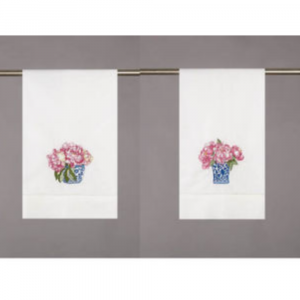 PRETTY IN PINK FLOWERS GUEST TOWELS