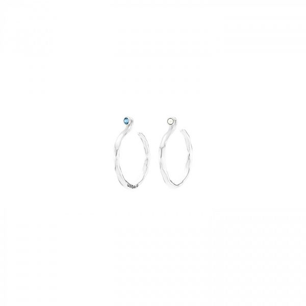 UNO DE 50 UNDER PROTECTION EARRINGS IN SILVER
