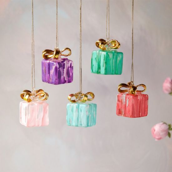 ASSORTED GIFT BOX ORNAMENTS