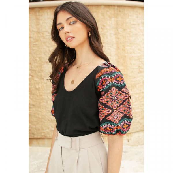 BLACK EMBROIDERED PUFF SLEEVE TOP
