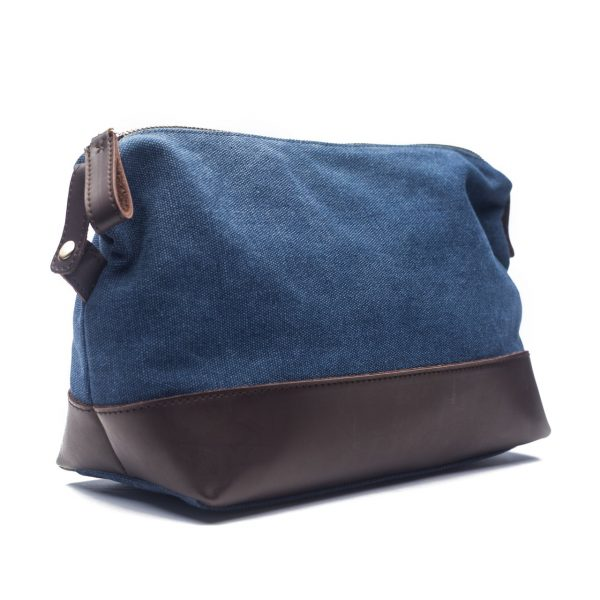 EXCURSION TOILETRY BAG - BLUE