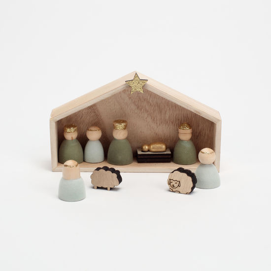 FLOCKED NATIVITY WOOD FIGURES WITH CRECHE