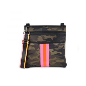 HAUTE SHORE PEYTON THRILL CROSSBODY IN CAMO