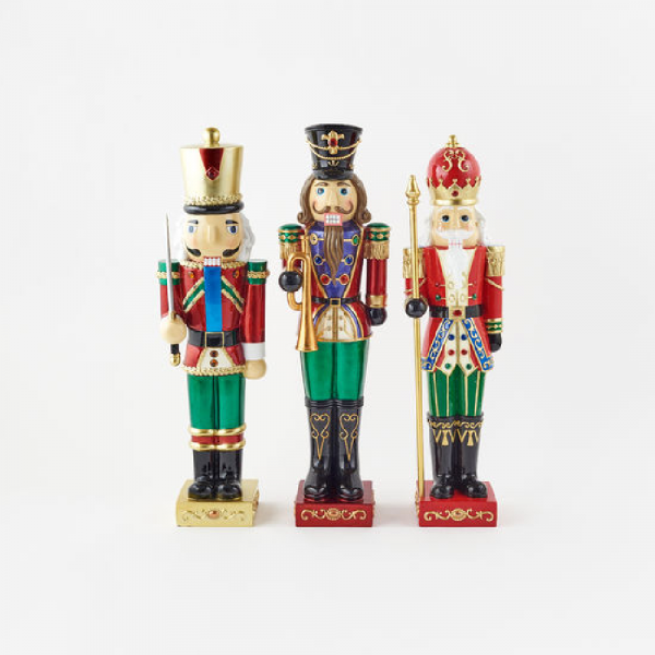 LIGHTED NUTCRACKERS 24""