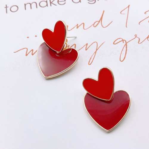 RED HEART DINA EARRINGS