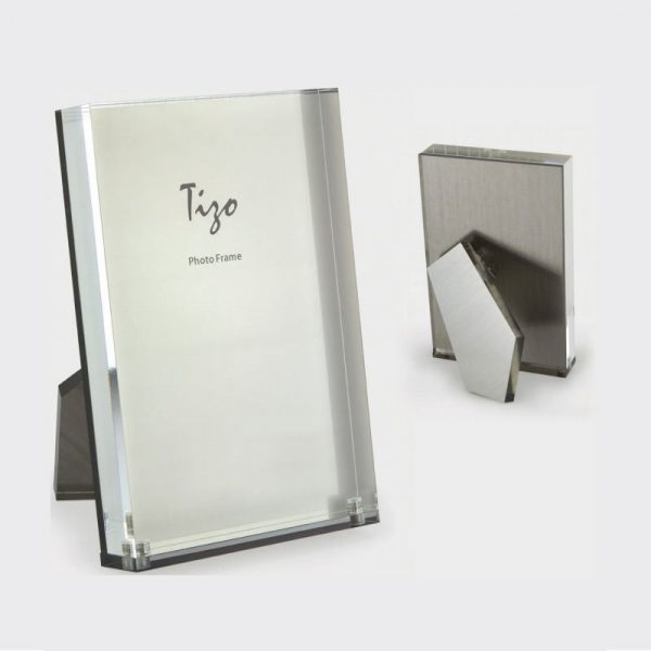 SILVER LUCITE FRAME
